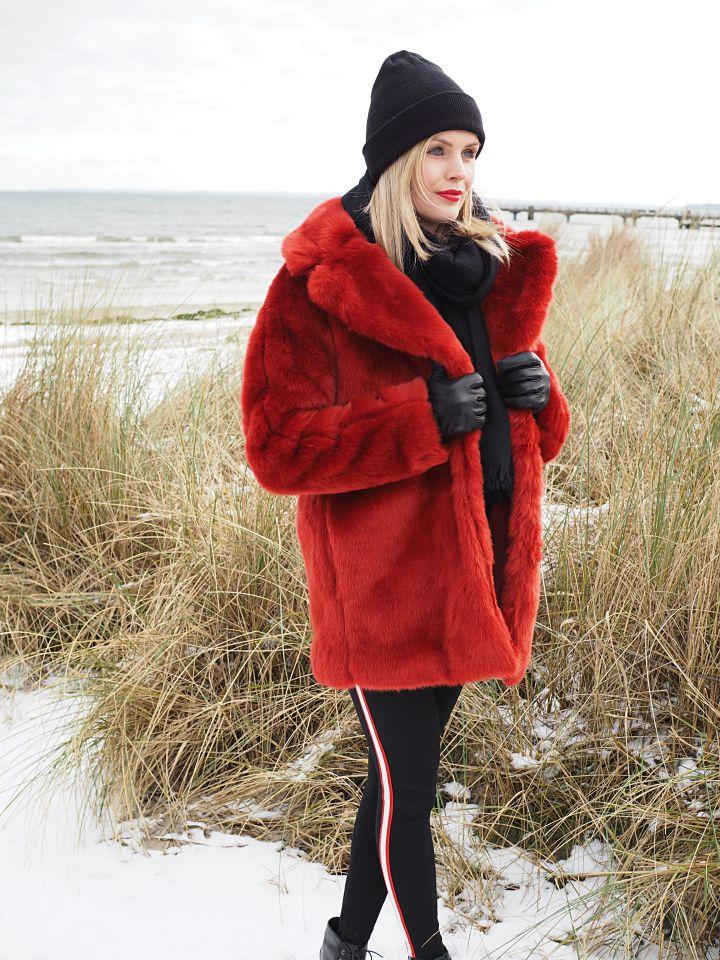 roter Faux Fur | Mantel, Hallhuber und Trends 2018