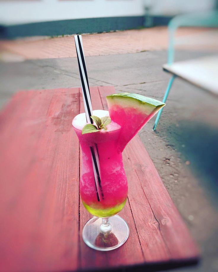 """14 kedvelés, 1 hozzászólás – Garázs Kávézó - café & bar (@garazskavezo) Instagram-hozzászólása: """"#watermelon #watermelon🍉 #summer #fresh #fruity #görögdinnye #sourapple #drink #drinks #cocktail…"""""""