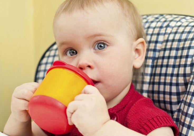 Vitaminas de frutas nutritivas para os pequenos