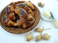 Sladké rohlíky - makovky skvělé chuti chutnají parádně samotné, ale také namazané čerstvým máslem.