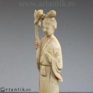 "veche statueta Guan Yin. ""netsuke"". fildes natural. China"