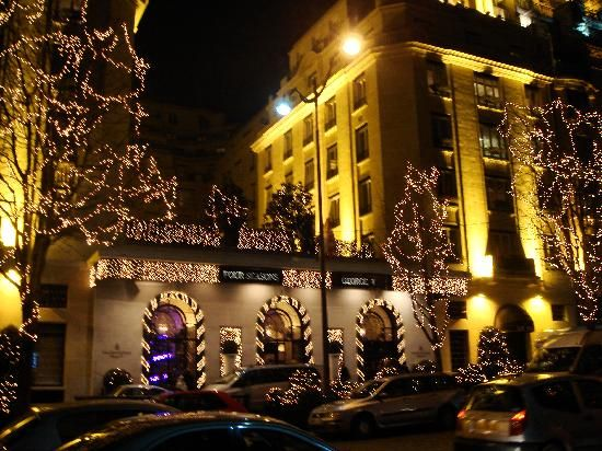 stunning chrisrmas   Beautiful Lobby Space, stunning decorations - Picture of Four Seasons ...