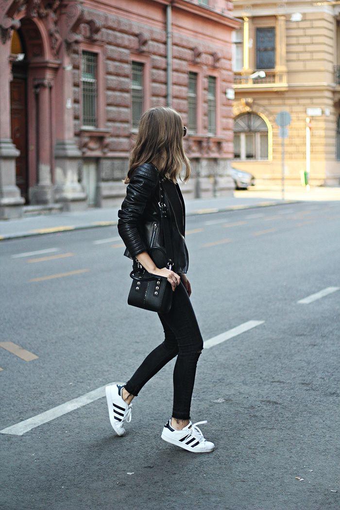 Fashion and style: Rhea