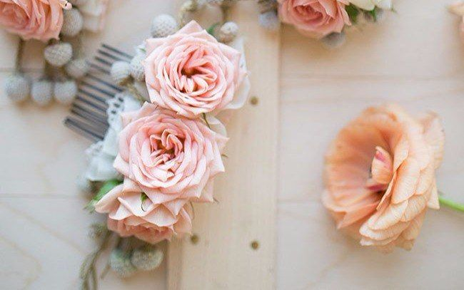 Гребень заколка с живыми цветами   10 фотографий