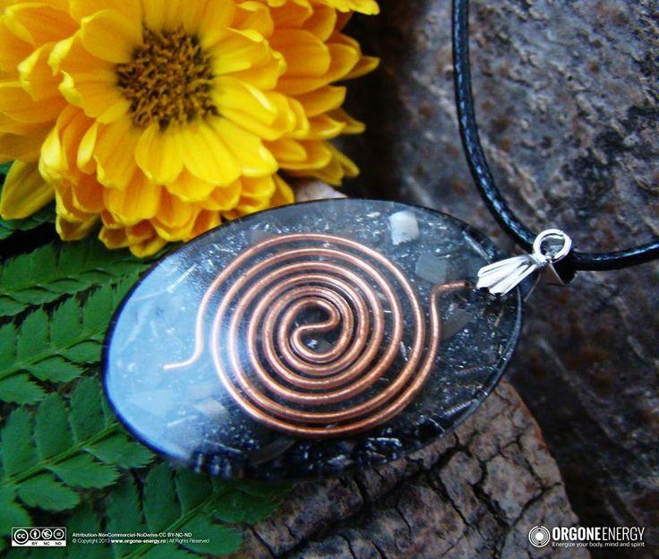 Orgone-Energy Pandantiv Oval cu Ochi de Tigru si Cuart Roz