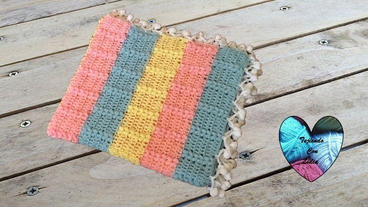 Mantita bebe tejida a crochet con punto trigo facil