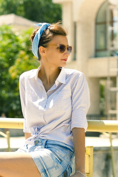 This hairstyle and headscarf is perfect for a vacation on the French Riviera