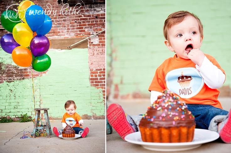 LOVE THIS! 1st birthday photo shoot.