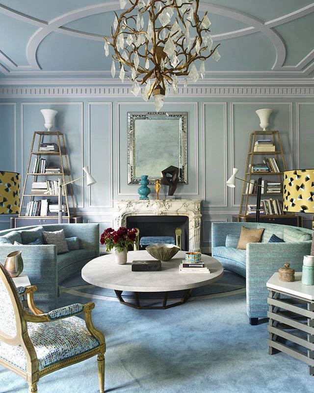 Parisian perfection in blue photo simon upton design for Living room 8 place jean rey