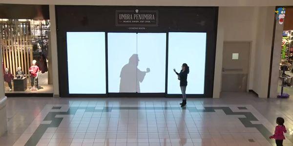 Guardate che spettacolo! Le ombre delle persone diventano personaggi Disney