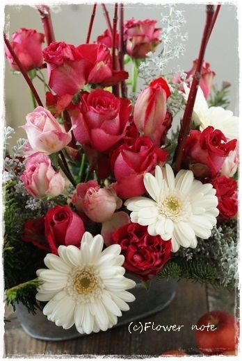 『【今日の贈花】クリスマスに愛をこめて』 http://ameblo.jp/flower-note/entry-11735607742.html