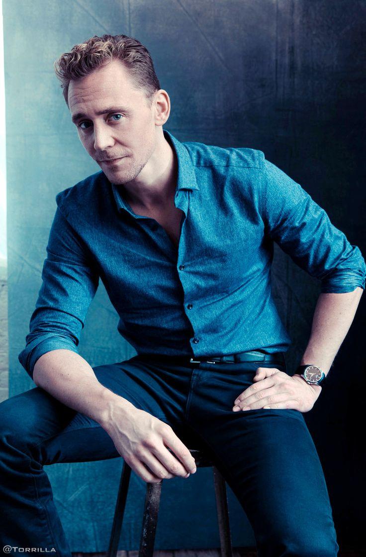 Tom Hiddleston photographed by Austin Hargrave during TIFF 2015 on September 13, 2015. Source: Torrilla. Click here for full resolution: http://ww4.sinaimg.cn/large/6e14d388gw1f8iphjjr8qj20lv0xbah6.jpg