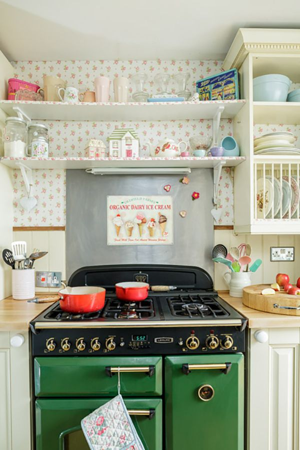 vintage range cooker in shabby kitchen A Shabby Chic Cath Kidston Home