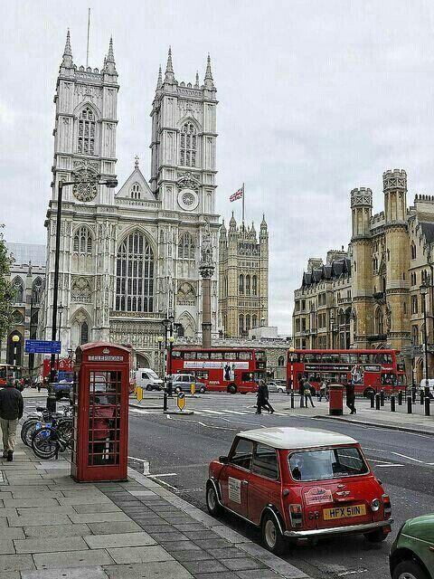 LONDRES, INGLATERRA - Siempre hay algo nuevo, desde un festival de msica en el este de la ciudad hasta una exitosa exposicin en una de las galeras londinenses. Ven y vive un #BestDay en #Londres! #OjalaEstuvierasAqui :D