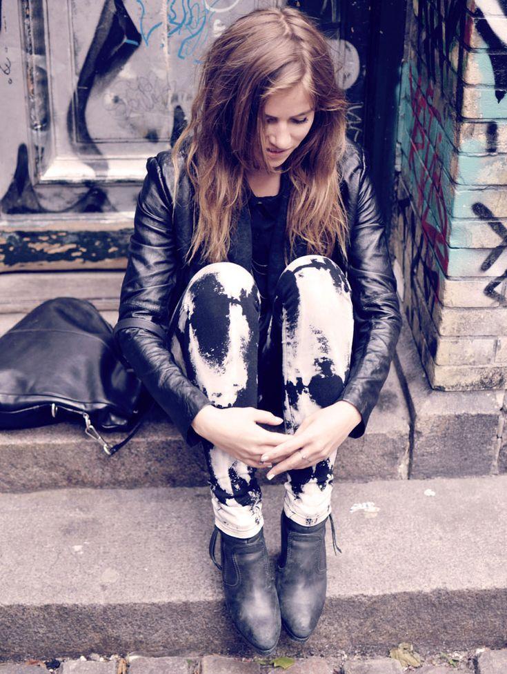 me and my tie dye jeans - trine's wardrobe