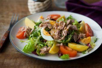 6 идей салатиков с тунцом: можно даже на ночь