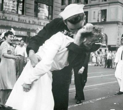 This picture of a sailor kissing a nurse in Times Square is not the famous photograph taken by Alfred Eisenstaedt but one taken simultaneously by Navy photographer Victor Jorgensen when the day the world war II end.