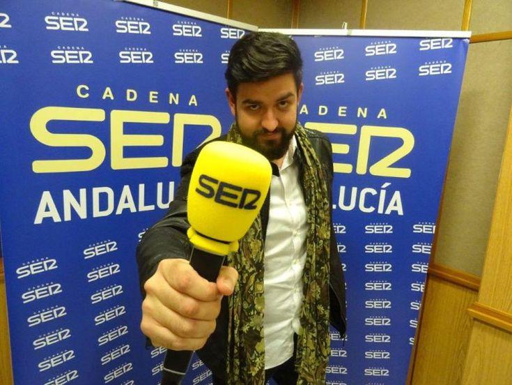"""Manu Sánchez se define como """"un aprendiz orgulloso de su Maestro. Don José María Pérez Orozco"""", hace una defensa del acento andaluz para homenajear a quien considera """"un andaluz perfecto… dicho en un perfecto andaluz"""""""