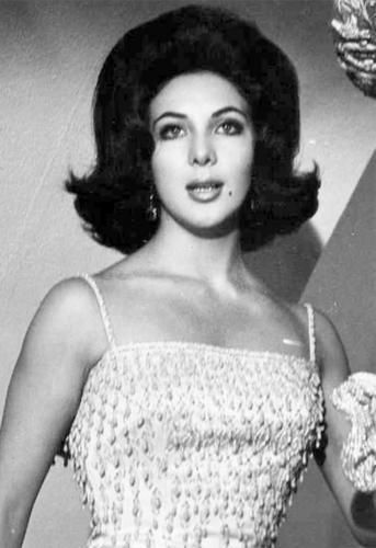 Lorena Velazquez, la actriz del cine fantástico mexicano.