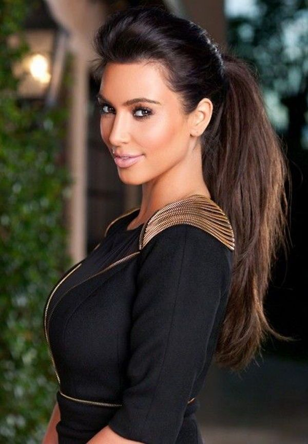 At The Stage Of Celebrity Hairstyles For Long Hairstyles These Eight Options Of Kim Kardashian Kim Kardashian Hair Long Hair Styles Kim Kardashian Short Hair