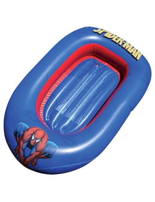 Ein Gummiboot! Spiderman! Und überhaupt: Wasserspielzeug! Ein einzelnes kleines Schiff, das Kindern aus gleich mehreren Gründen viel Spaß machen dürfte ...