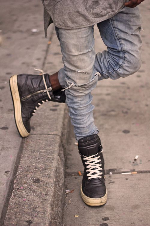 aagdolla:    Rick Owens (sneakers)    by aagdolla