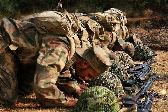 Pakistan Army offering prayer. world forth most powerful army