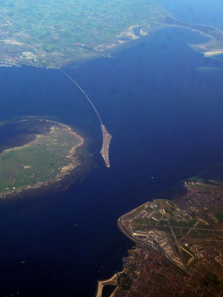 This Amazing Bridge Turns Into An Underwater Tunnel Connecting Denmark And Sweden  http://www.architecturendesign.net/this-amazing-bridge-turns-into-an-underwater-tunnel-connecting-denmark-and-sweden/