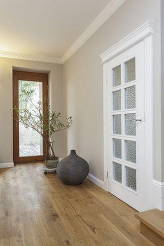 Картинки по запросу интерьер белые стены темная мебель