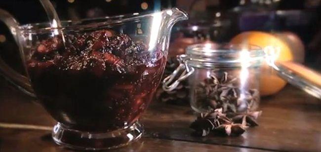 Cranberry and apple sauce - Gordan Ramsey