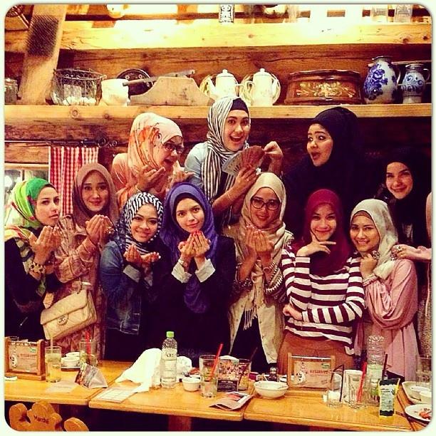 "Mimi Alysa - ""Meet the Muslima Designers"""