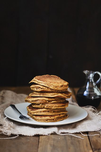 whole wheat pumpkin pancakes//