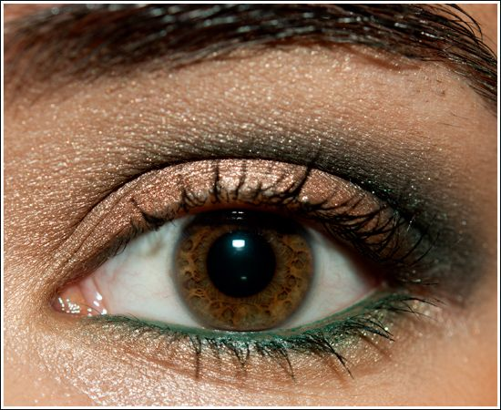 Neutrals with Smoldering Greens Look. I love that this can add a pop of color without looking too over done!