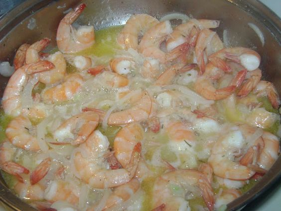 La Cocina de Leslie: Camarones al Mojo de Ajo {Garlic Shrimp}