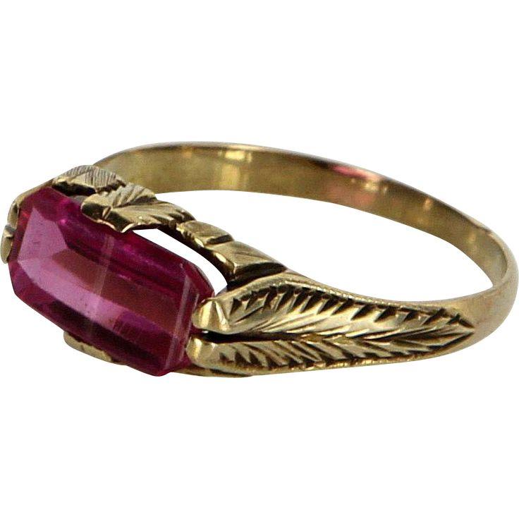 Vintage Art Deco Etched Foliate Ring 14 Karat Yellow Gold Lab Ruby Estate Fine