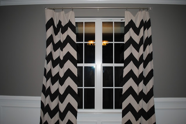 diy curtains using canvas drop cloth and paint: Dining Rooms, Drop Clothing Curtains, Black And White, Diy Canvas, Diy Chevron, Curtains Tutorials, Diy Curtains, Bedrooms Curtains, Chevron Curtains