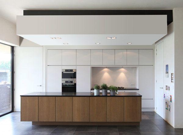 Minimal interiors by Egide Meertens Architecten