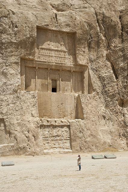 The tomb of Xerxes I at Naqsh-e Rustam archeological site, Fars, Iran (by kamshots).