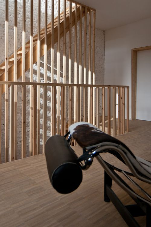 Eénvoudige leuning trap - http://www.madearchitects.be