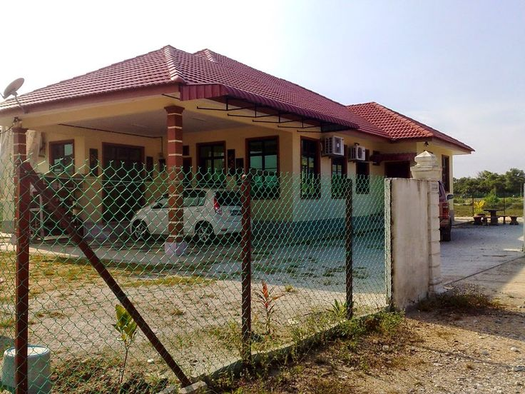 Homestay 6HM di Kuala Terengganu  Banglo 3 bilik berhawa dingin dan kipas 2 ruang tamu (1 berhawa dingin dan satu berkipas) 2 Bilik air. Ruang dapur yang luas. Kawasan berpagar dan dengan pemandangan yang menarik.