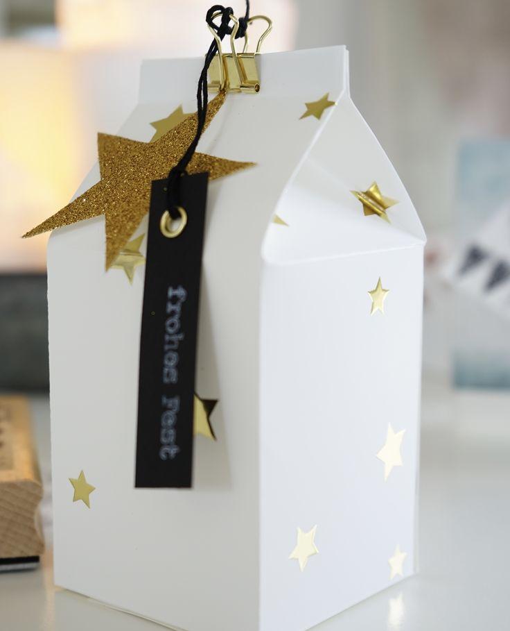 Milchtüten Verpackungen goldenes Premium Papier Charlie & Paulchen Sterne Geschenke Anhänger Tags Weihnachten Geschenkeverpackungen Milchtüten selber basteln DIY mit dem Cricut ausgeschnitten, melilis