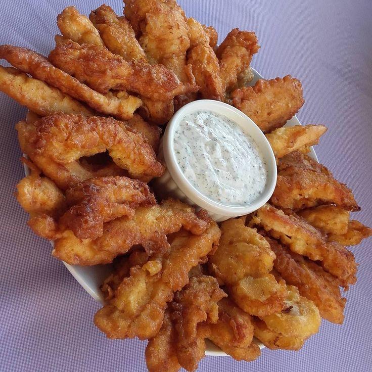 """304 Beğenme, 13 Yorum - Instagram'da Mutfağımdan Gelen Kokular (@mutfagimdangelenkokular): """"Tavuk kalamar yaptım  2 adet tavuk göğsü,tuz,karabiber,kırmızıbiber Sosu için 1su br maden…"""""""