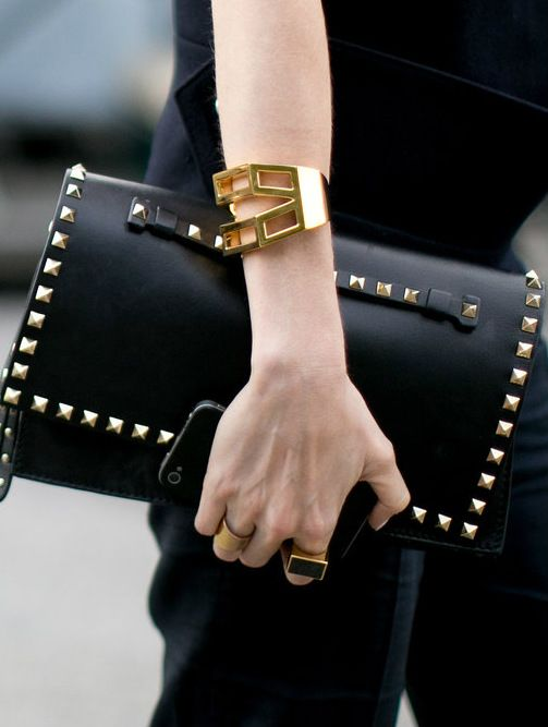 Valentino Clutch #streetstyle #leather