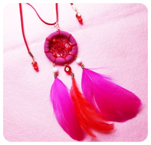get closer with this lovely red-pink dreamcatcher necklace, used to call it APONI! I wonder it could made u more cute! IDR 75000