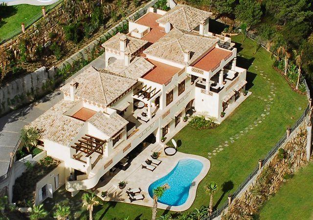 Spain, Marbella, 18 pax http://pearlconcierge.pl/property/hiszpania-marbella-18-osob-2/