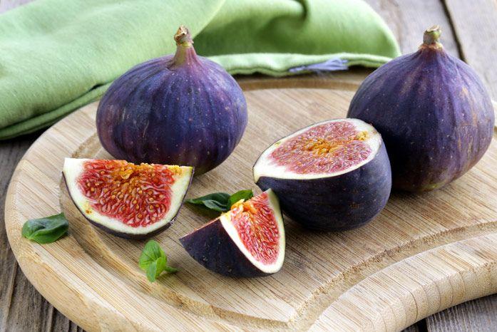 świeże owoce z drzewa figowego