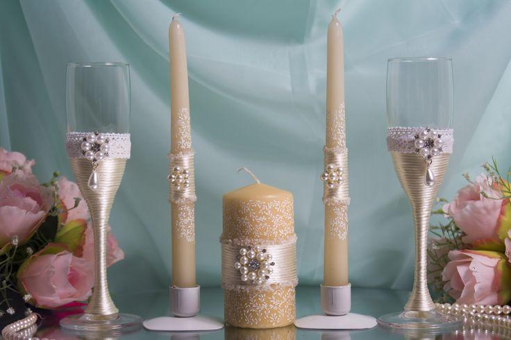 Комплект атрибутов ручной работы с декором шелковым шнуром- бокалы и свечи семейного очага - для свадьбы цвета айвори. #свадьбы #атрибуты #бокалы #семейный очаг #айвори #ручная_работа #soprunstudio