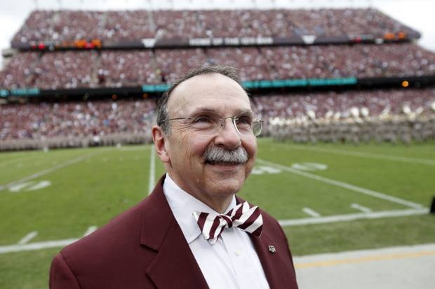 He's just such a cute old man! President of the University I currently attend (Texas A), R. Bowen Loftin. I have always wondered how many bow ties he owns..