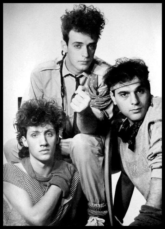 Imagen inédita de la sesión de fotos de Soda Stereo para la edición de su primer disco. Año 1984.