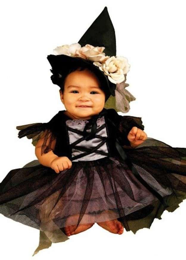 Disfraces de Halloween para bebés: fotos de los disfraces - Disfraz bruja